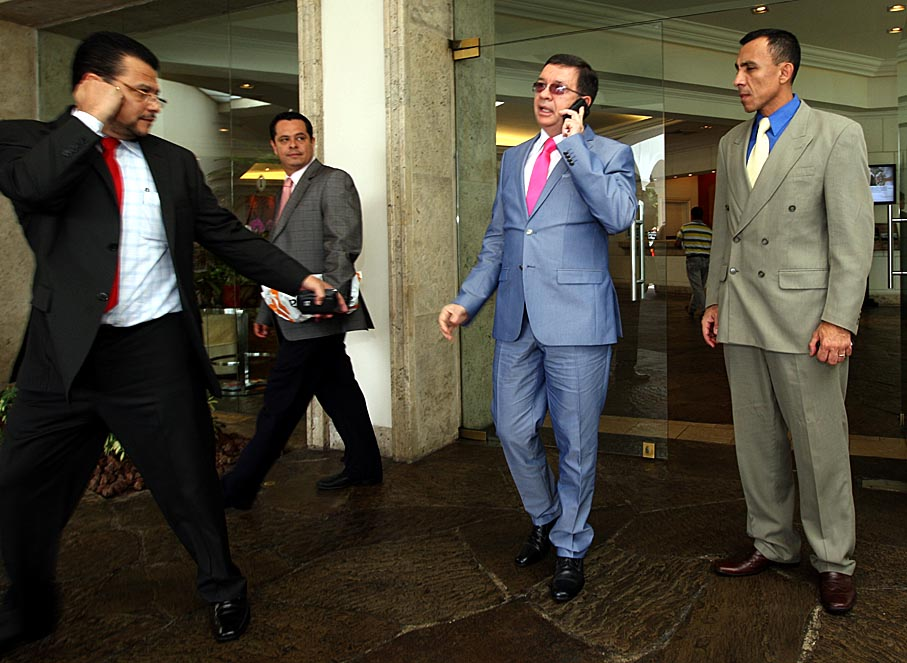 Munguía Payés (centro), en una imagen captada cuando fungió como ministro de Seguridad.