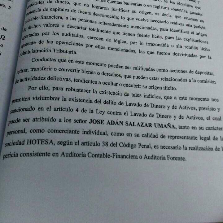 Página del expediente contra Salazar Umaña, donde la Fiscalía advierte el lavado de dinero.