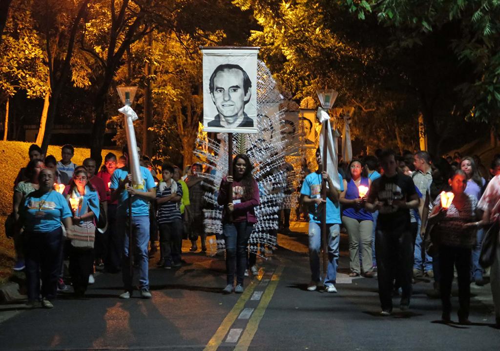 Cada año se recuerda a las víctimas de la masacre de la UCA y se exige justicia en El Salvador. Foto de Francisco Campos.