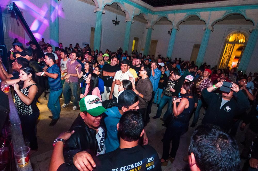 Parte del público que asistió al concierto de Hugo Lobo y Vibrass Ska Esamble. Fotos de Gerson Nájera.