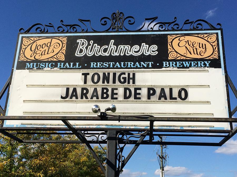 La invitación para ver a Jarabedepalo en The Birchmere. Un recuerdo más de la gira que vivió Luis Ayala junto a ellos.