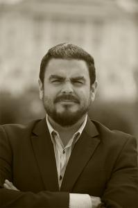 Héctor Silva Ávalos es co-editor de Revista Factum y corresponsal freelance en Washington, Maryland  y Virginia.