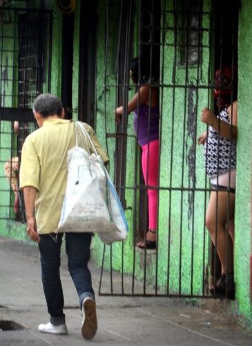 prostitutas en san roque imagenes de trata de mujeres