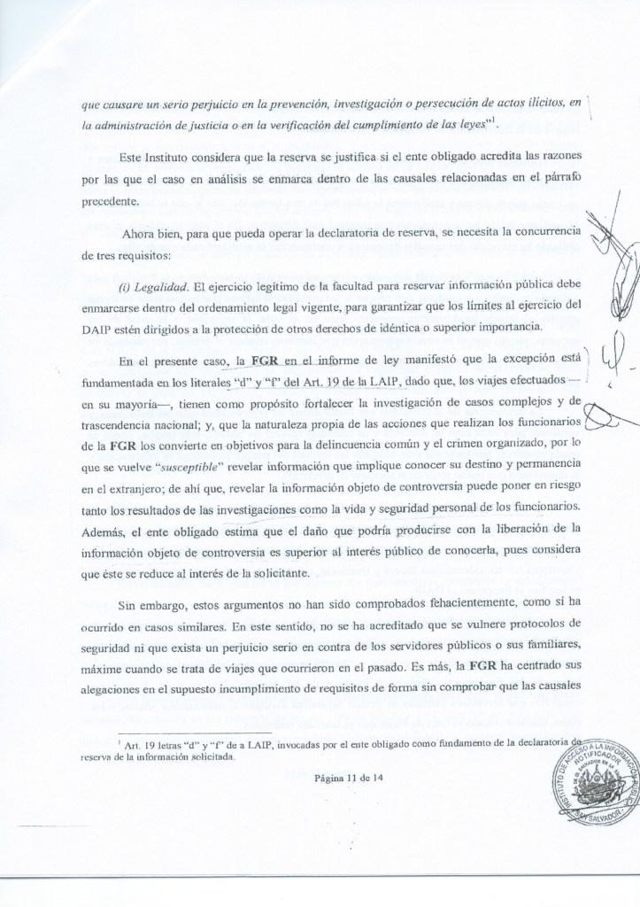 """Página 11 de la resolución NUE 122-A-2014, en la que el IAIP resuelve que la decisión de la FGR de no revelar información sobre los viajes del fiscal general no cumple con el requisito de """"legalidad""""."""