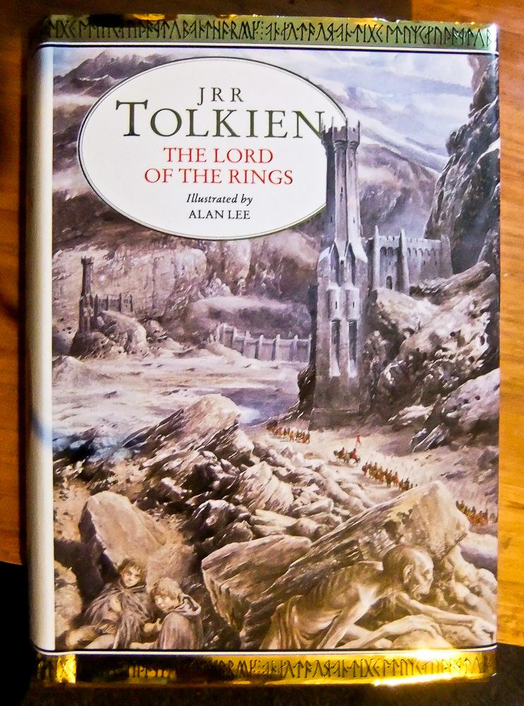 """""""El señor de los anillos"""" es, indudablemente, una de las obras célebres que J.R.R. Tolkien escribió en tiempos de tribulación. Foto de Flickr con licencia Creative Commons."""