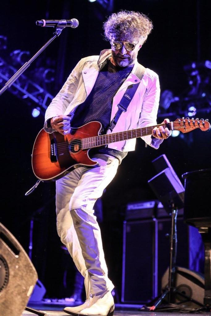 Fito Paez en concierto en el Teatro Metropolitan de México DF. Foto de Lulú Urdapilleta/Cortesía de OCESA.