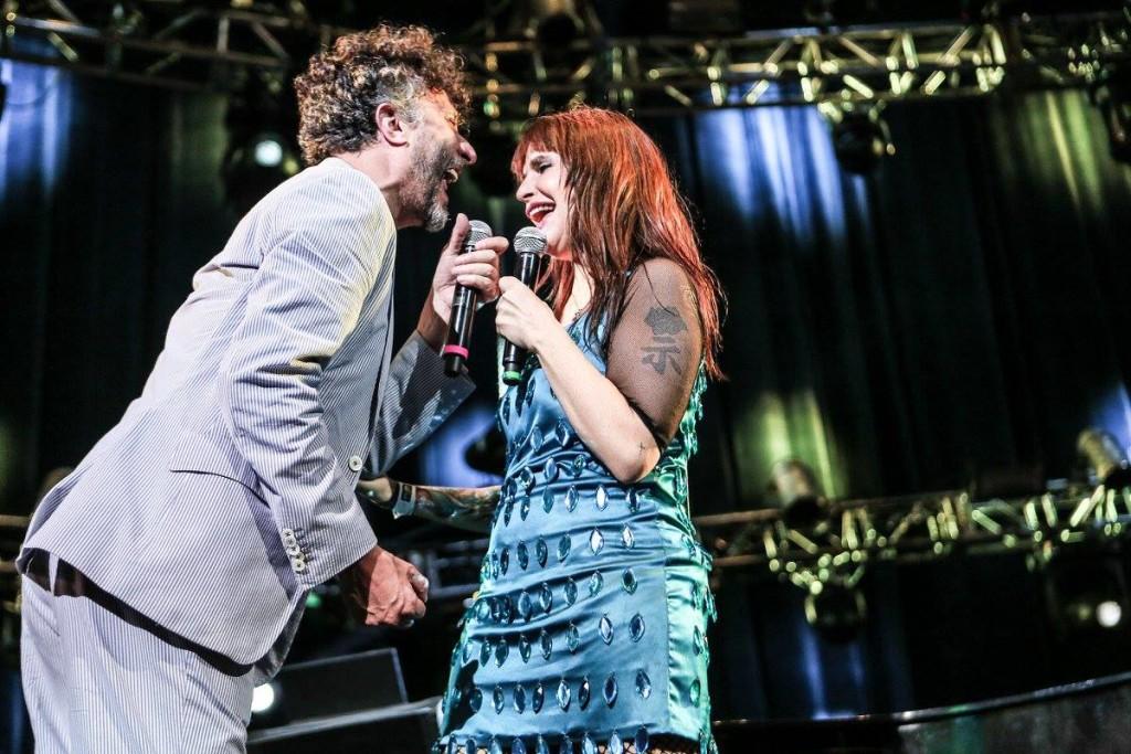 """Fito Páez recordó muchas épocas de antaño al cantar al lado de Fabiana Cantilo en un concierto más de su gira """"Retrospectiva"""". Foto Lulú Urdapilleta/Cortesía de OCESA."""