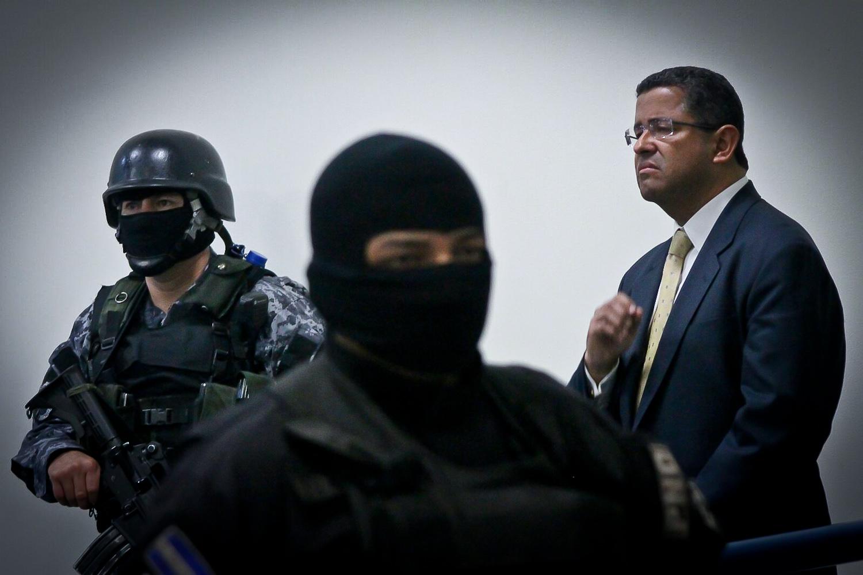 «El fiscal general renunció a la persecución penal de Francisco Flores»
