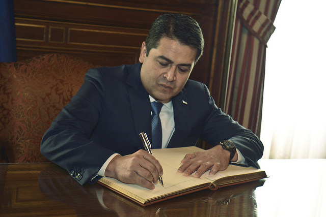 La comisión inofensiva del presidente Hernández
