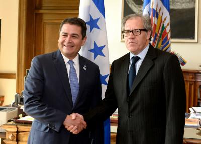Juan Orlando Hernández, Presidente de Honduras, y Luis Almagro, Secretario General de la OEA. Fotos tomadas de Flickr, con licencia de Creative Commons.