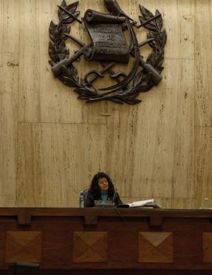 La jueza Yassmin Barrios presidió la corte que condenó a dos militares por violaciones sexuales de mujeres indígenas en Guatemala. Fotos de Nobel´s Women Initiative.