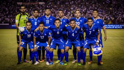 Equipo titular de El Salvador en el partido contra Honduras el 29 de Marzo de 2016 en el Estadio Olímpico de San Pedro Sula, Honduras. Foto Revista FACTUM/Salvador Melendez