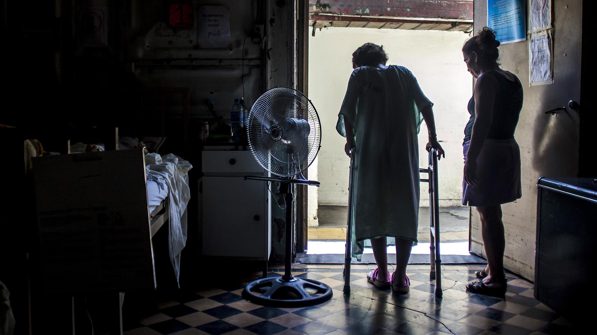 Historia de supervivencia de la salvadoreña Yolanda Henríquez, que fue víctima del ataque a machetazos por parte de su marido.