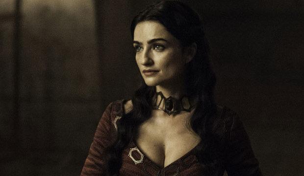 La actriz rusa Ania Bukstein interpreta a la hechicera Kinvara en Game of Thrones.