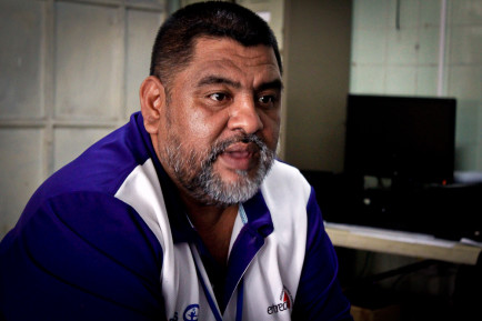William Hernández, director de la Asociación Entre Amigos, en entrevista con Factum. Foto de Mitzty Torres.