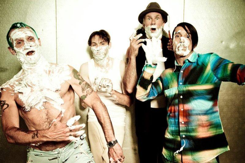 Los Red Hot Chili Peppers acaban de publicar su undécimo disco de estudio. Foto de Ellen Von Unwerth. Tomada del área de prensa del sitio oficial de RHCP.