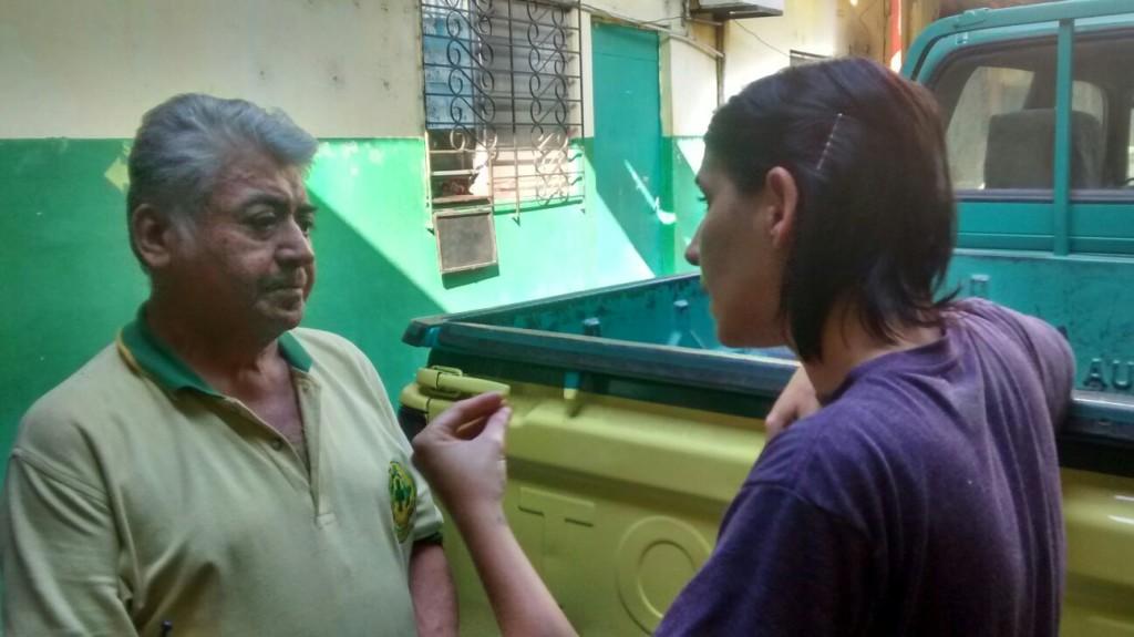 Marcela Zamora, mientras dirigía uno de sus documentales. Foto cortesía de la autora.