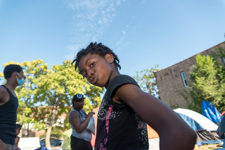 Muchos niños juegan en el campamento de Freedom Square. Foto cortesía de Sarah-Ji.
