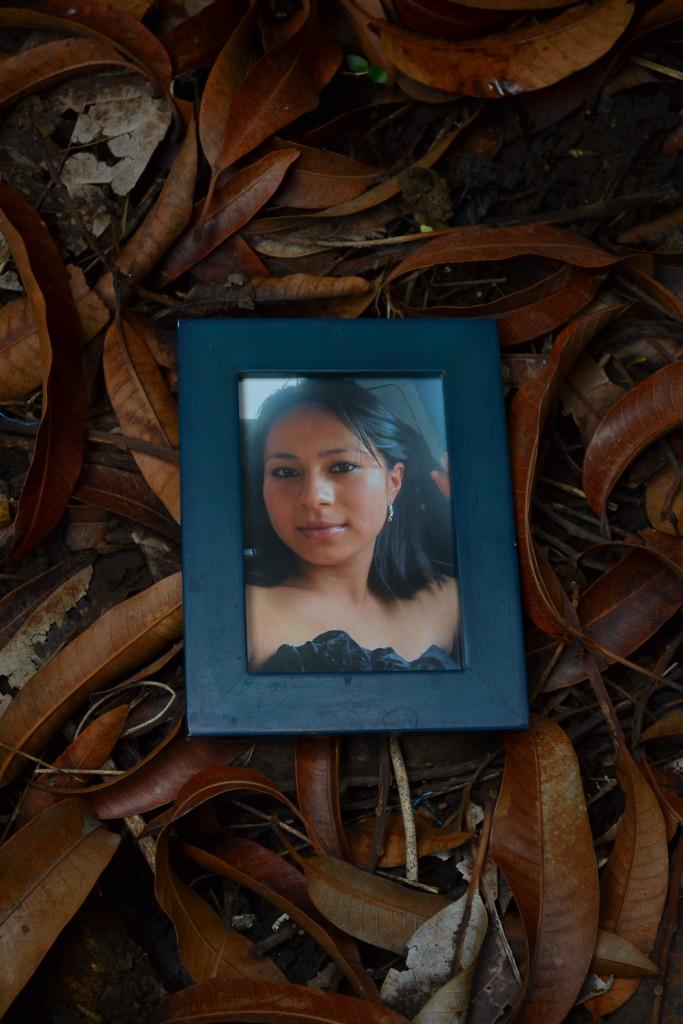 Mercedes Guadalupe Servellon Alvarado, tiene 22 años es graduada de enfermería desde el año 2012 está desaparecida desde el 8 de marzo de 2014. Foto de Miguel R. Lemus/REVISTA FACTUM.