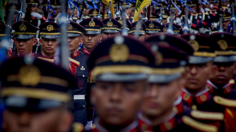 Batirse en retirada: 10% de oficiales han abandonado la FAES