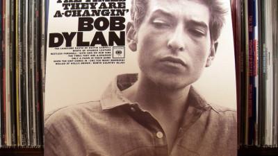 El Nobel de Bob Dylan separa a apocalípticos de integrados