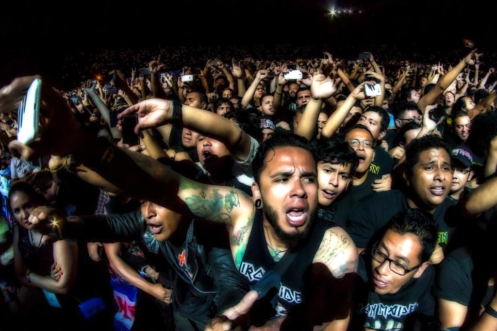 """Concierto de la Banda de Rock Iron Maiden en el Estadio Jorge ''El Mágico"""" González en San Salvador, el 6 de Marzo de 2016"""