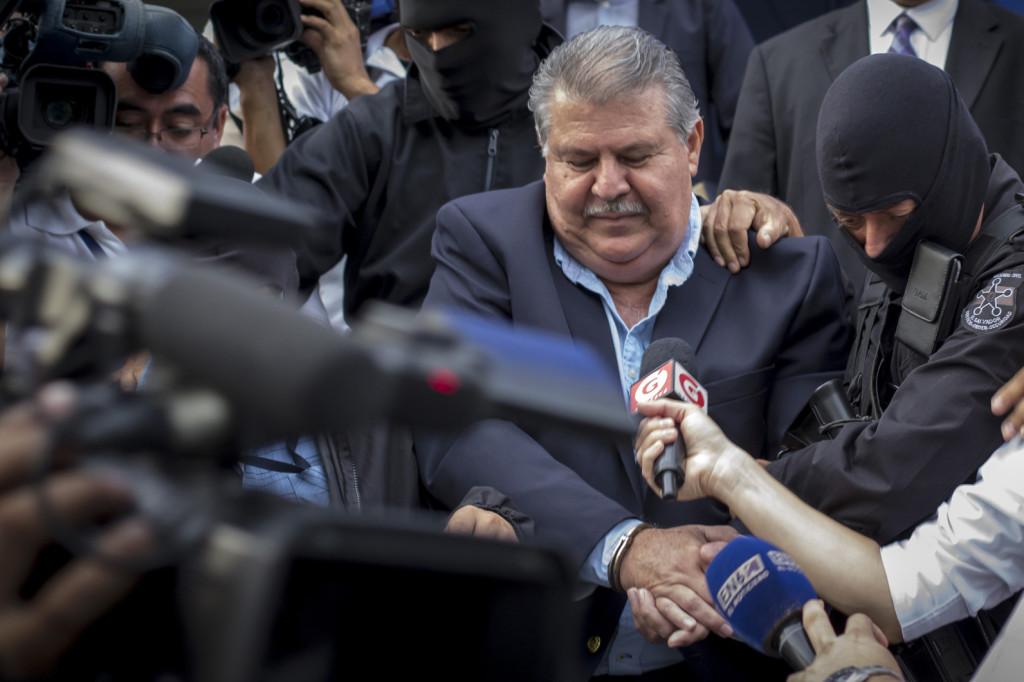 Detención del empresario salvadoreño, Enrique Rais, en las instalaciones de la FGR en Santa Elena, Antiguo Cuscatlán, La Libertad, el 22 de Agosto de 2016. Foto FACTUM/Salvador MELENDEZ