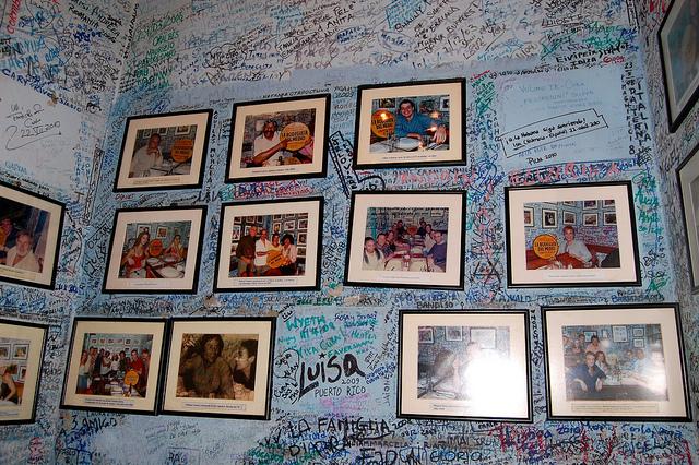 Interiores del restaurante La bodeguita del medio en La Habana, uno de los lugares donde el salvadoreño Raúl Cruz León colocó bombas en 1997. Foto de Dani Figueriedo, tomada de Flickr con licencia Creative Commons.