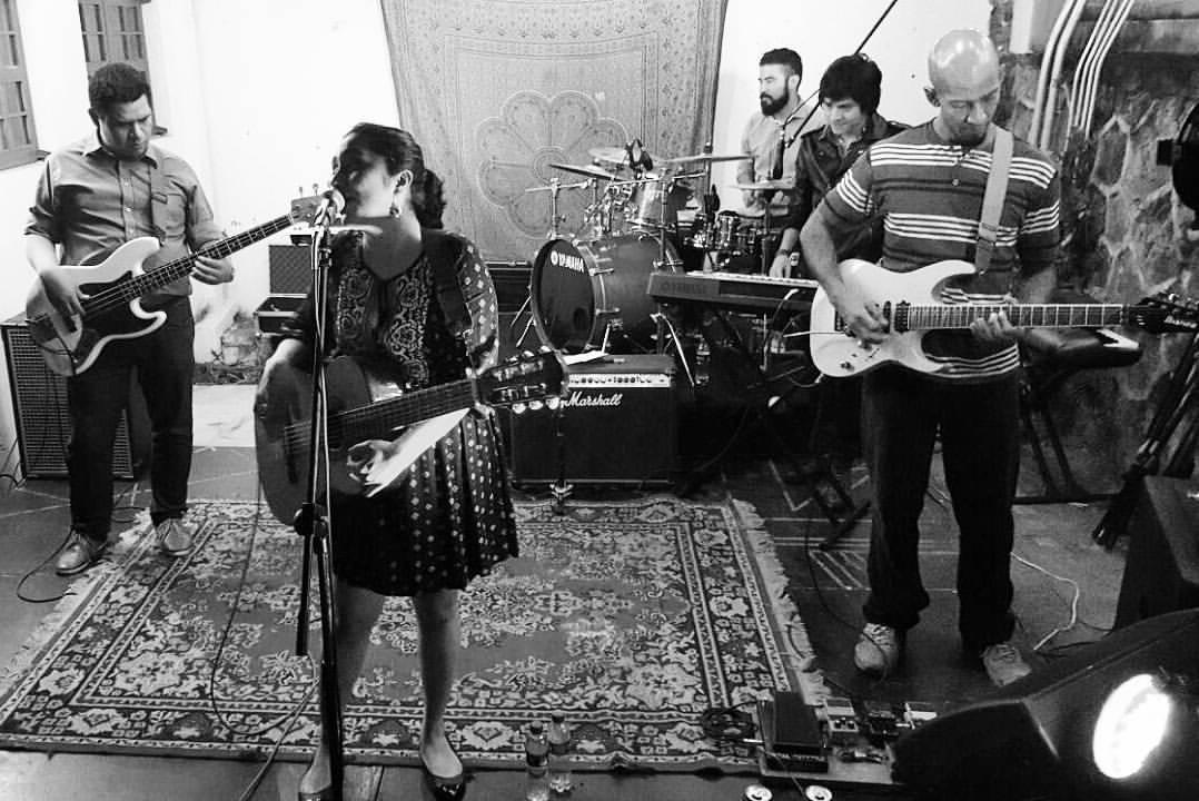 Cantalejo es una agrupación salvadoreña liderada por Natalia Alejandro. Foto cortesía de la banda.