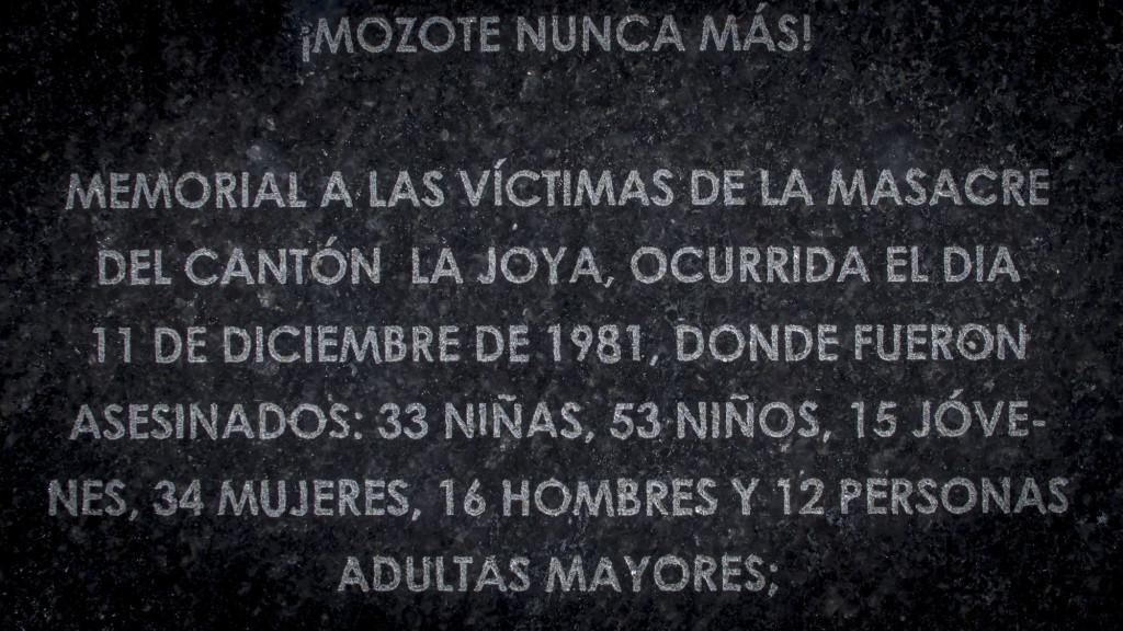 Detalle de los mensajes en el Memorial del Cantón La Joya. Foto FACTUM/Salvador MELENDEZ