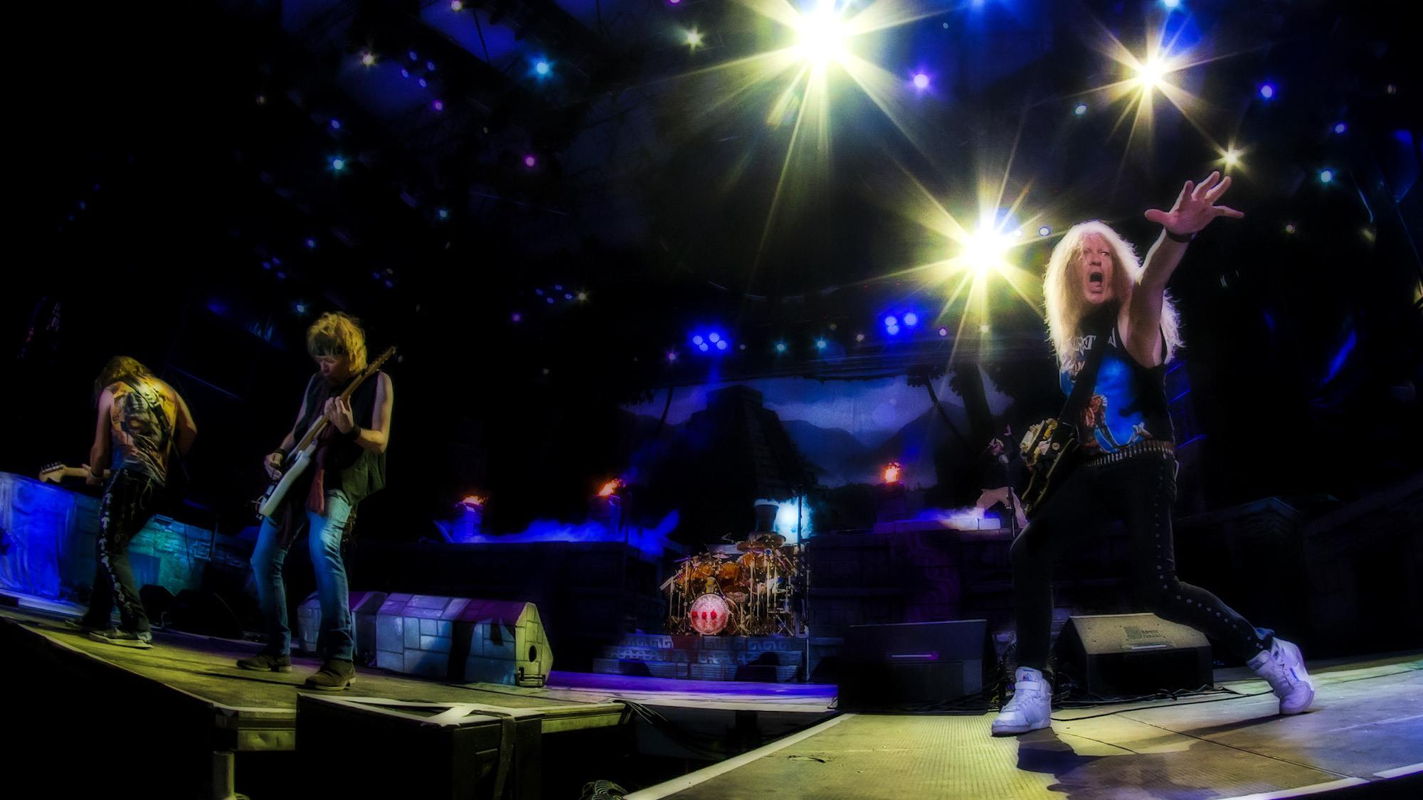"""El concierto del año en San Salvador del 2016, sin duda fue la presentación de la Banda Iron Maiden, el pasado 3 de marzo en el Estadio Nacional Jorge """"El Mágico"""" González. Miles de salvadoreños amantes del metal hicieron realidad el sueño de presenciar la calidad de esta banda. Foto FACTUM/Salvador MELENDEZ"""