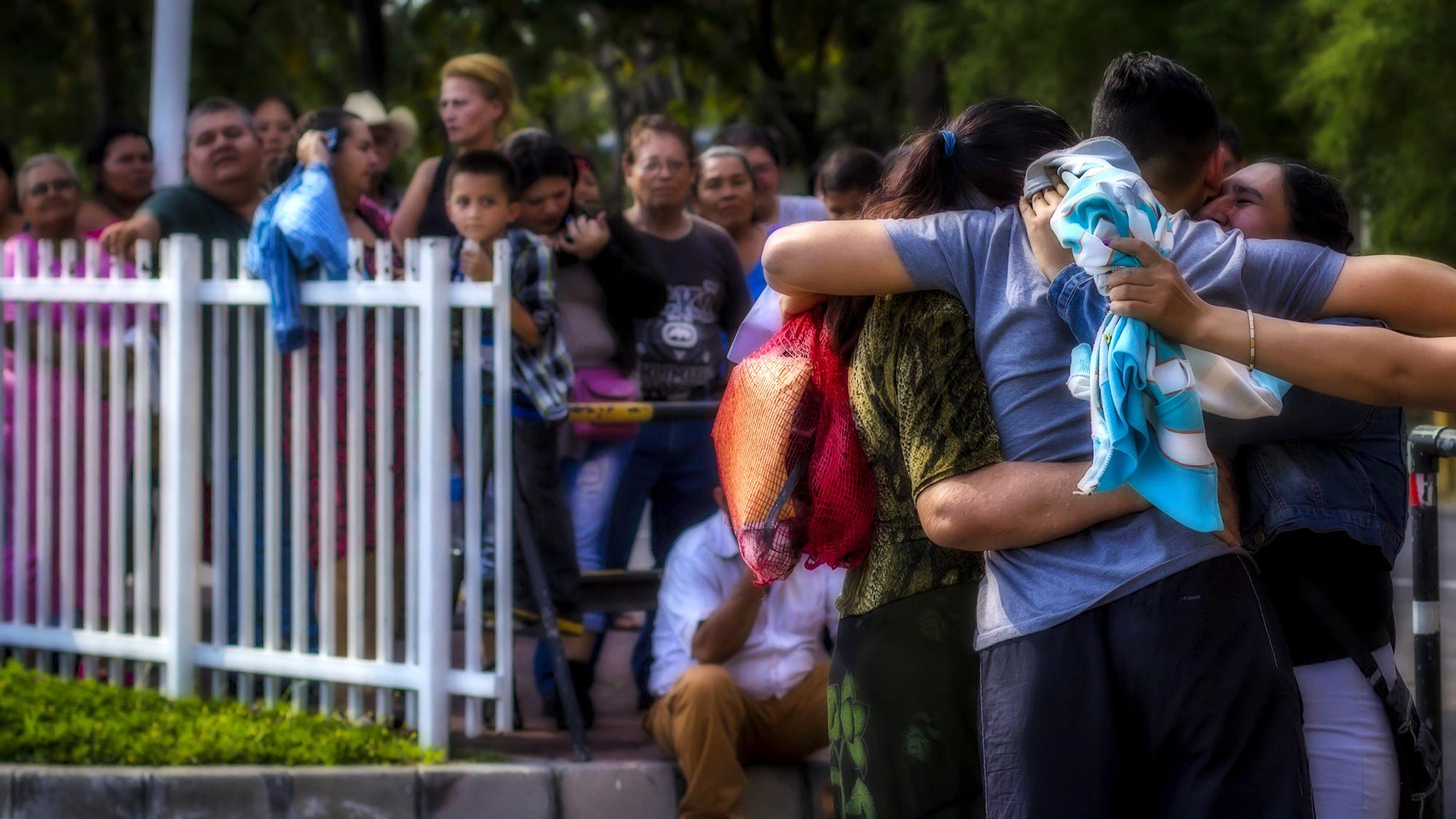 Las deportaciones de salvadoreños durante la gestión presidencial de Barack Obama fueron registradas en la Terminal Aerea de Comalapa, el 27 de enero de 2016. Ahora con la llegada de la administración de Donald Trump, puede que las deportaciones aumenten para los salvadoreños que viven ilegalmente en Estados Unidos. Foto FACTUM/Salvador MELENDEZ