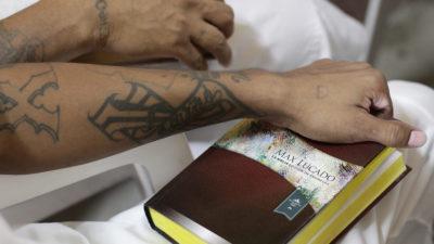Gobierno intenta vender como su logro el retiro de pandilleros