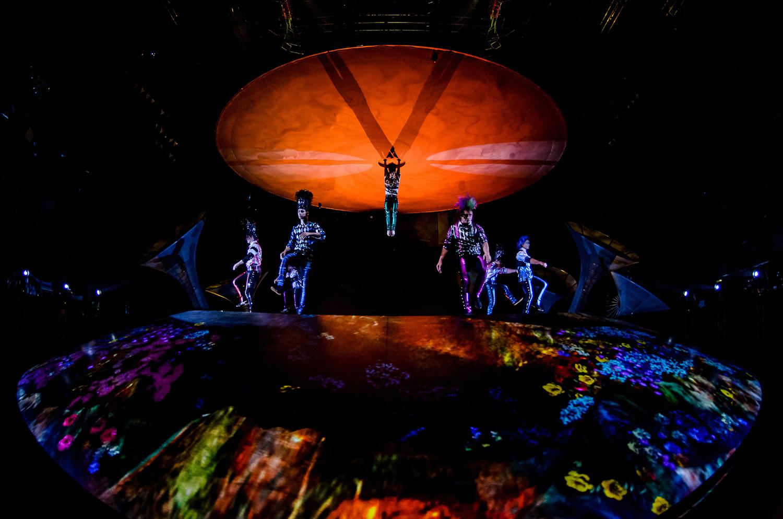 """""""Cae el sol/Planta"""". Foto de Nancy Martínez. Prensa Soda Stereo SEP7IMO DIA by Cirque du Soleil."""