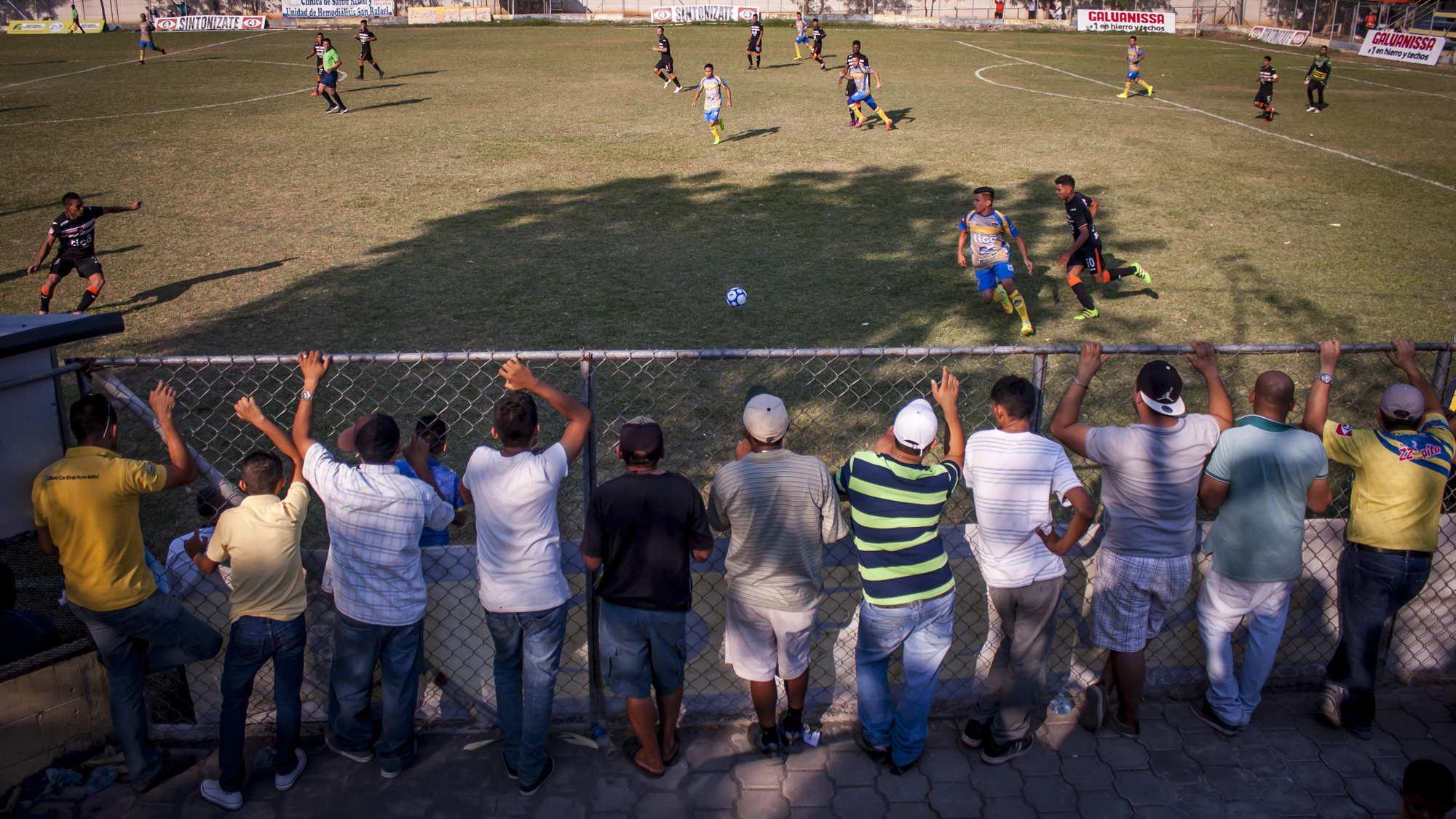 Fútbol miseria: El rey desamparado (parte I)