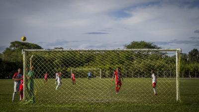 Fútbol miseria: El rey desamparado (parte II)