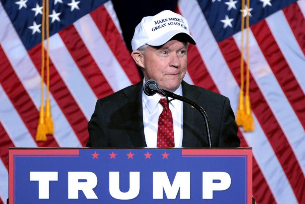Cinco mentiras de Trump y su fiscal general sobre la MS y los migrantes