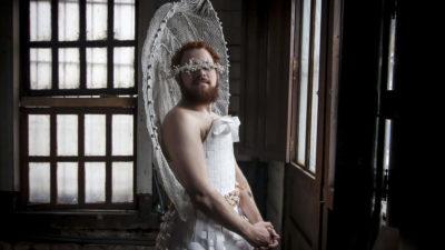 """""""Me puedo poner este vestido y no me hace menos hombre"""""""