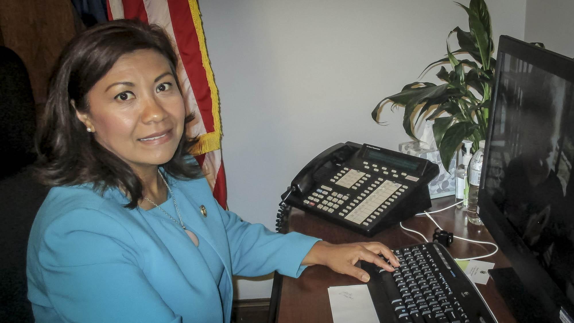 """""""Los jóvenes de El Salvador deben decidir si toleran a gobiernos que roban"""""""