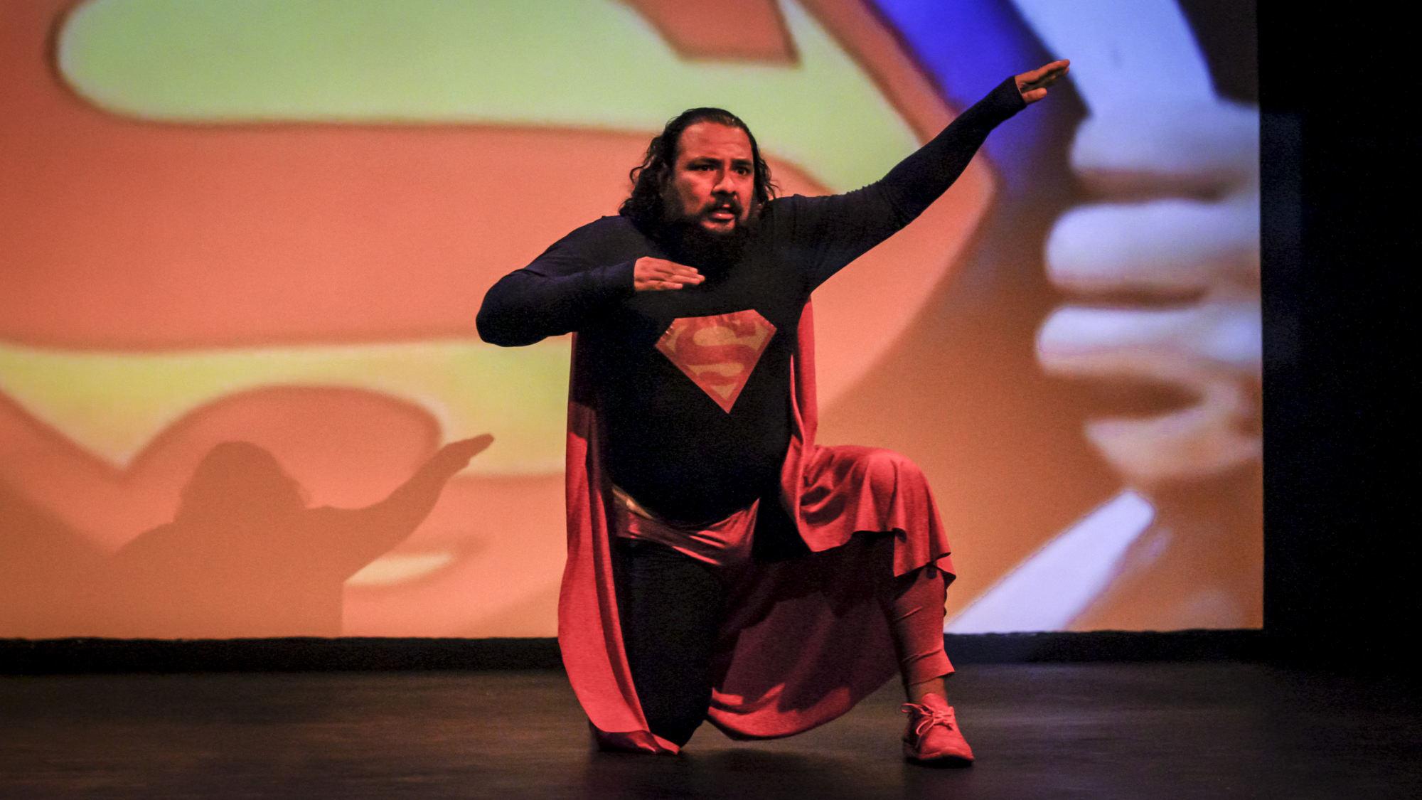"""""""Supermán"""": no es porque seamos tus hijas"""