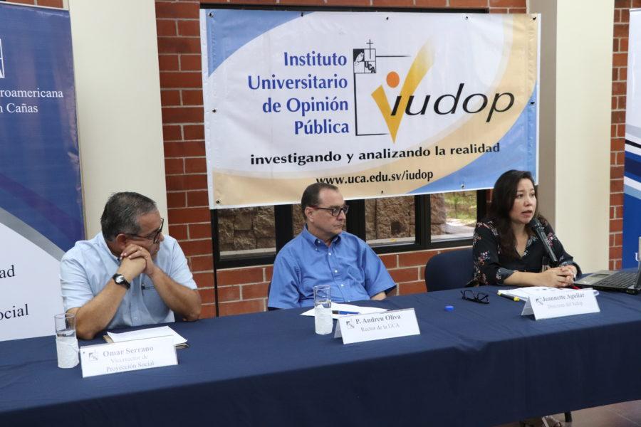 Encuesta Iudop: los salvadoreños solo están en contra del aborto cuando una niña es violada