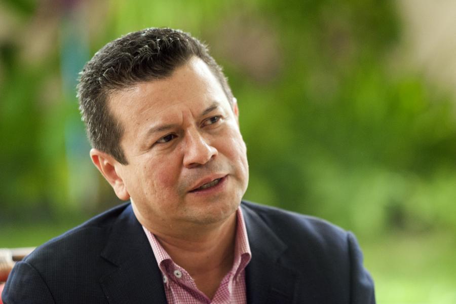 """""""Cuando el FMLN se aleja de la gente, cuando la dirección del partido se aleja de sus bases, es cuando peor nos ha ido"""""""