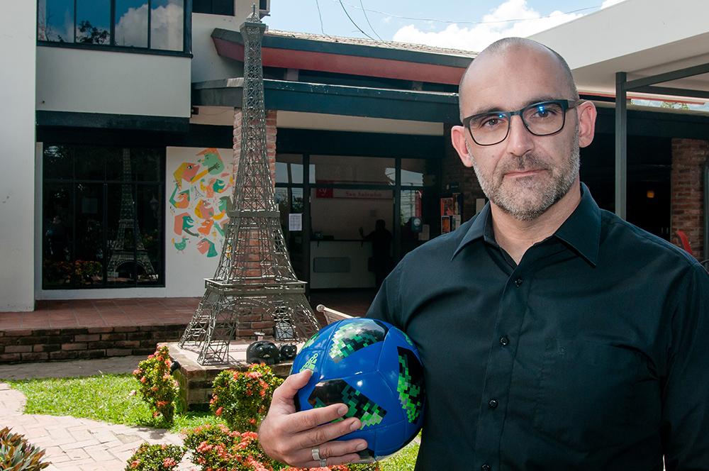 Max Vasseur: «Gracias al fútbol podríamos luchar contra toda forma de oscurantismo»