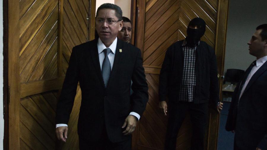 Fiscalía insiste en que investiga grupos de exterminio al interior de la Fuerza Armada
