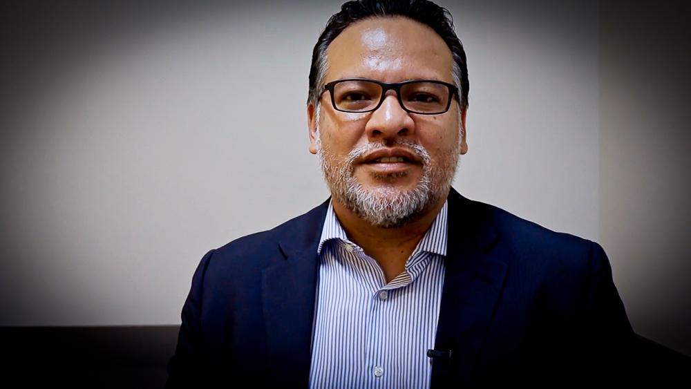 Doctor Guillermo Ortiz: «Nos exponen como un país en el que somos, literalmente, una vergüenza»