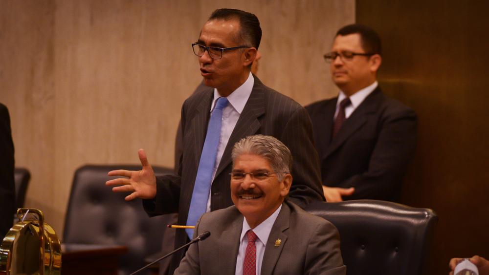 Arena y PCN le perdonan el desafuero a Norman Quijano
