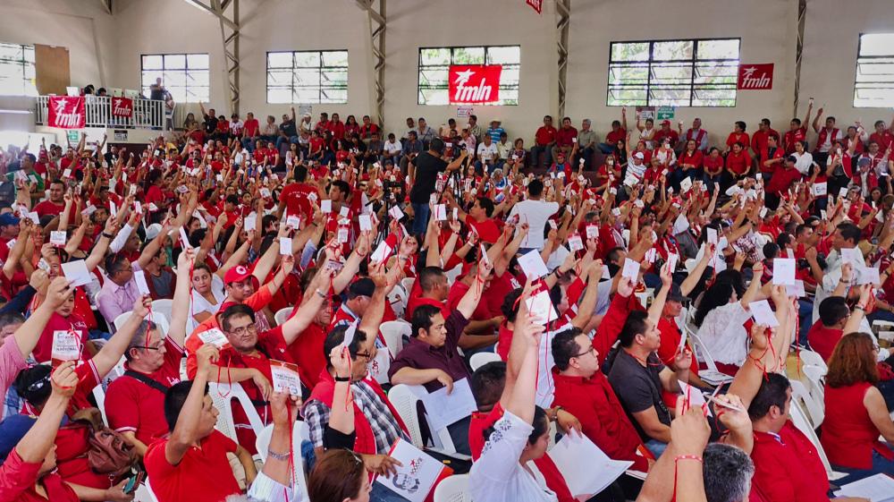 El FMLN se atrinchera a la espera de Bukele