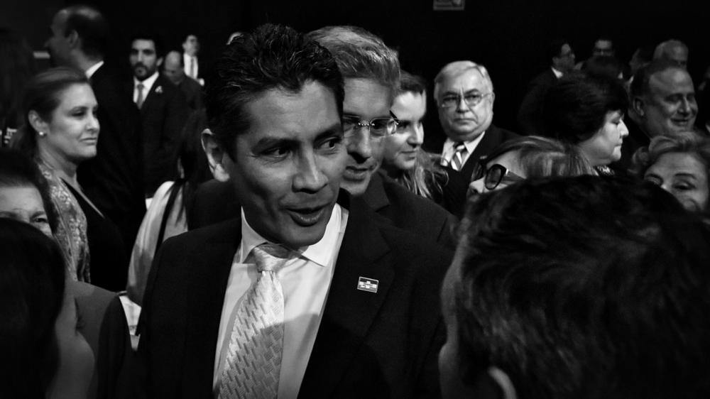López Davidson abandona la presidencia de una Arena fracturada