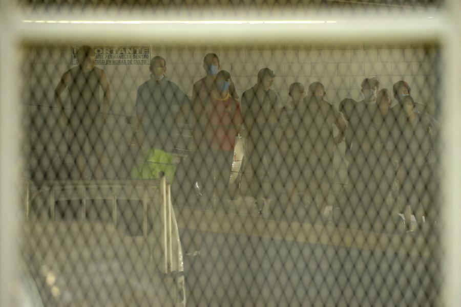 Asamblea avala detenciones por infringir la cuarentena y gobierno prohíbe el transporte público