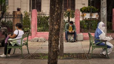 El sistema de salud salvadoreño continúa en coma